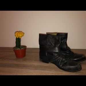 Brown boots ankle leather